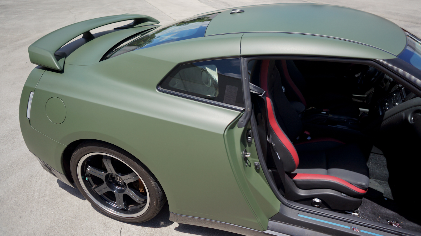 Nissan-GTR-Matte-Green-Car-Wrap.jpg