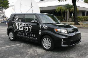 Locksmith car wrap Fort Lauderdale Florida